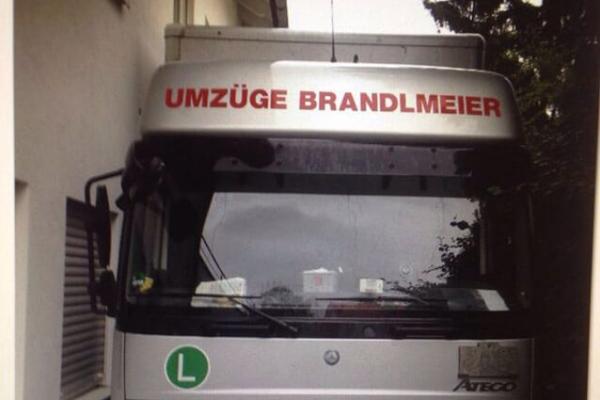transporter-umzug24DF4371-87EC-3D41-3515-2F1E2C005C42.png
